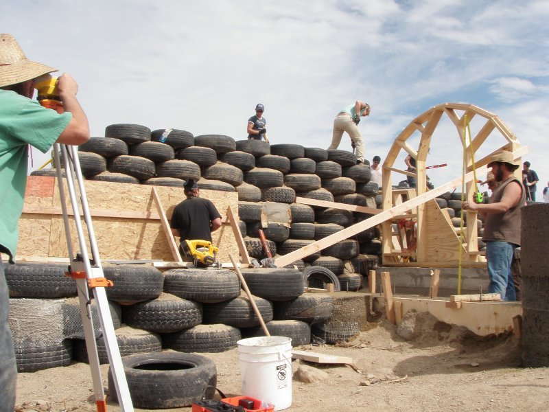 earthship_biotecture_4walls_international_baja_20.jpg