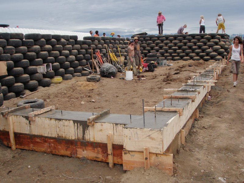earthship_biotecture_4walls_international_baja_18.jpg