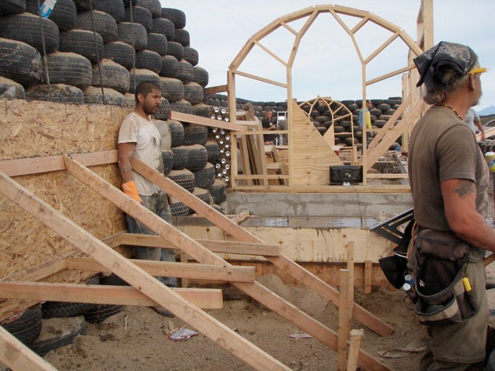 earthship_biotecture_4walls_international_baja_1.jpg