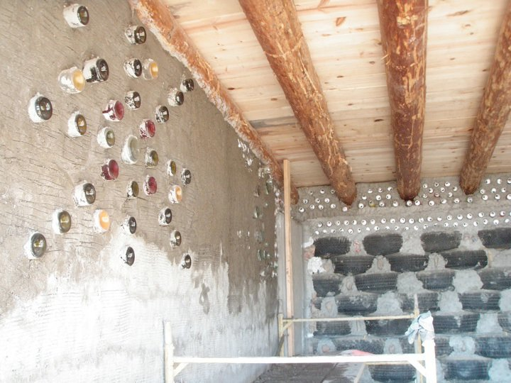 earthship_biotecture_4walls_international_baja_10.jpg