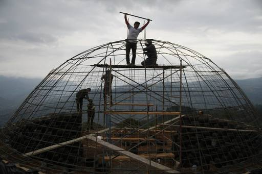 4_walls_colombia_sustainable_tire_house_6.jpg