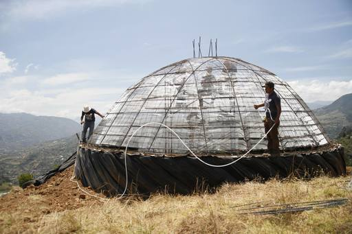 4_walls_colombia_sustainable_tire_house_1.jpg