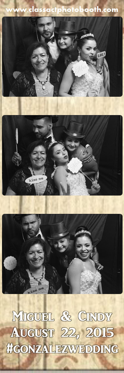 Faulkner wedding photo booth (58).jpg