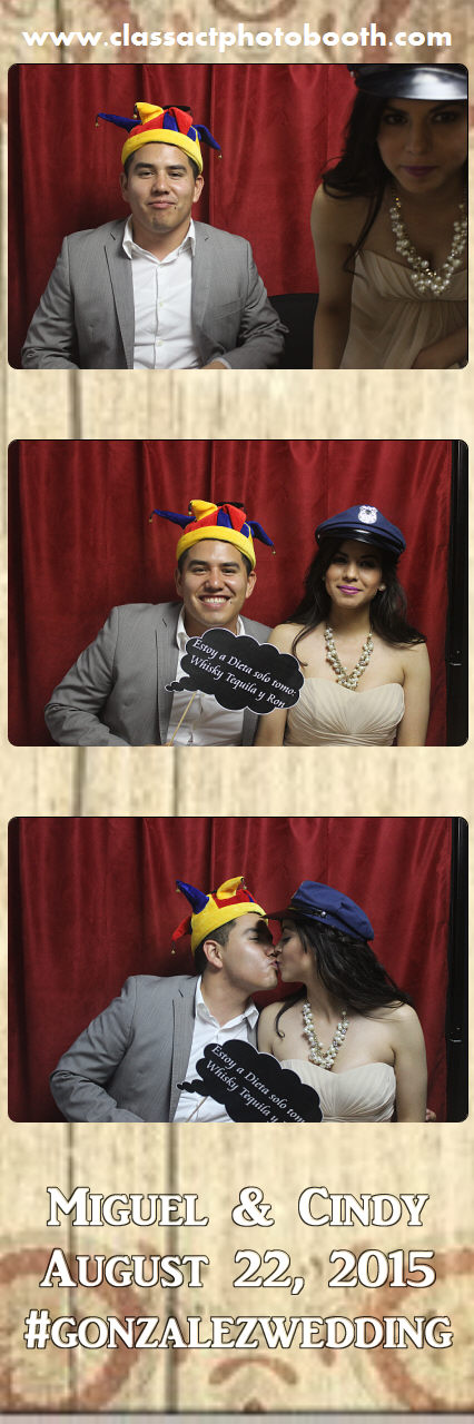 Faulkner wedding photo booth (59).jpg