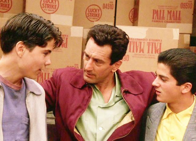 """De Niro """"mentors"""" at-risk youths"""