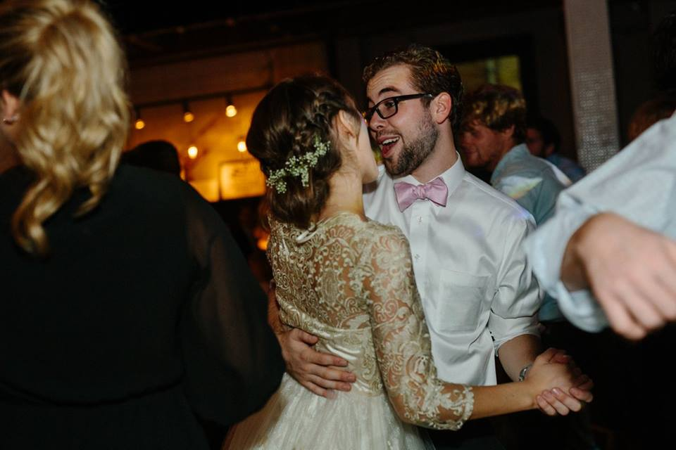 All wedding photos featured in this post were taken by the wonderful  Kate Anthony.  All photo credit to her!
