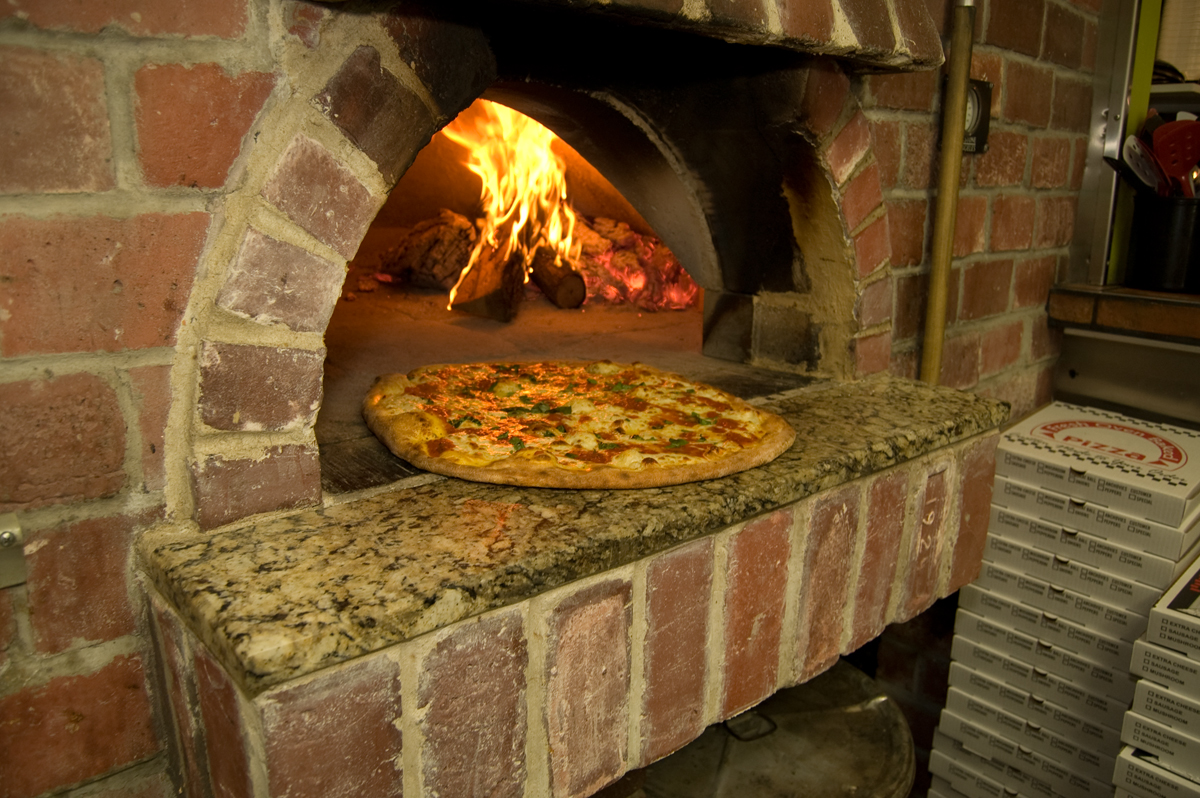 outdoor pizza ovens great way to entertain during summer