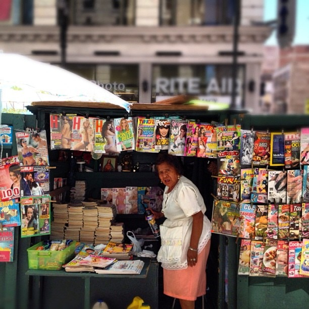 #streetphotography #streetvendor #downtownla  (Taken with  Instagram )