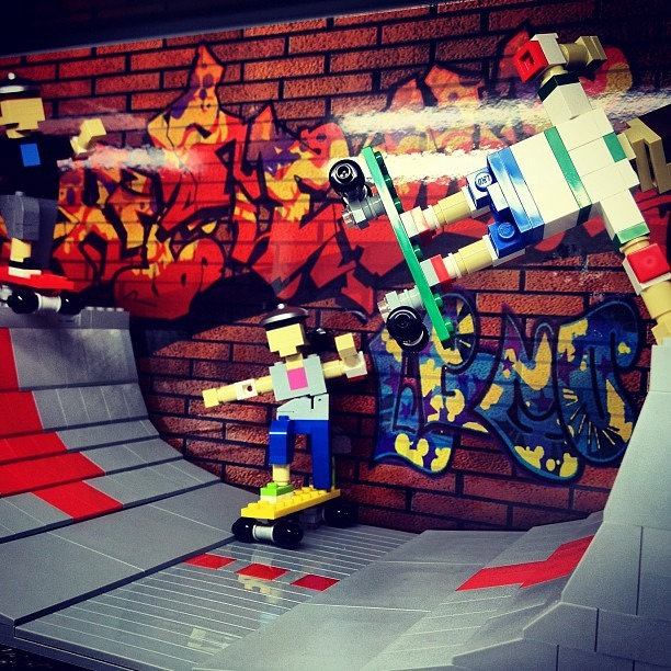 #graffitilegos #graffitilegodisplays #legostore (Taken with  Instagram )