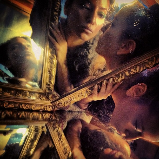 #grammas #mirror #kaleidoscope #reflection #golden #photography #fineart #art  (Taken with  Instagram )