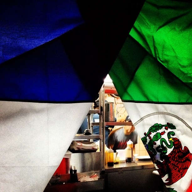 #itdoesntmatterwhattypeofcuisineitisalwaysrazainthekitchen #brooklyn #ny #illuminati #pyramid #flags