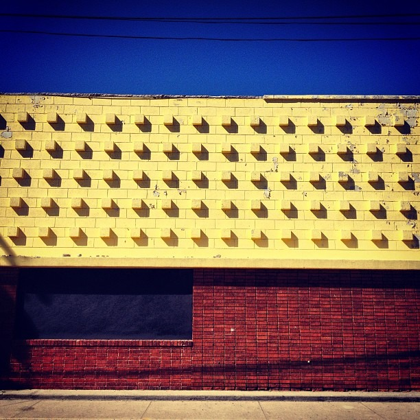 #minimal & #multiple #cubes #squares #relief #concrete #facade #driveby shooting in #chucotown