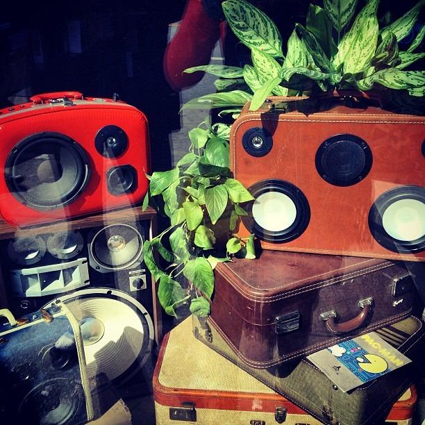 #windowart #rocks on #valenciastreet inda #mission #sf #luggage #speakers (at Paxton Gate)