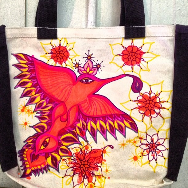 #westcoasting #thankyou #bag for @irenecastruita n her #beautiful #pajaritos #FlyPussy #series #geraluz #sharpies #love #graffiti #markers #peaches #handmade #artist #tote (at AlaMeDa gallery + studios)
