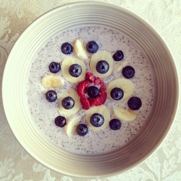 #vegan #organic #breakfast #raspberry #chia #parfait w/ #banana n #blueberries #getyourprotein