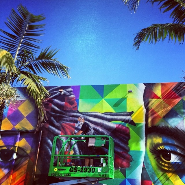 #wynwood #miami baby checking the #artists do their thang getting ready to rock! #kobra putting on the details