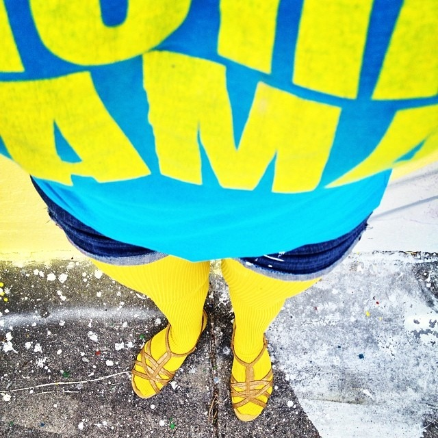 #rocking the #sunny #yellow #tights w my #pachamama shirt #miami #colors #thankyou @sistaeyerie #colorporn