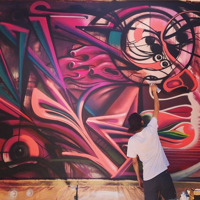 @w3rc doing his thing outside the #museumofart #cityoflascruces #livepainting #artfusion #chicanotas #cheechpeach #heartvision