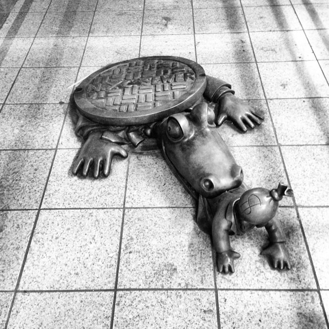 #unionsquare #publicart #gator #sewercap #bite #moneybag #head #gotham #artunderground by #TomOtterness