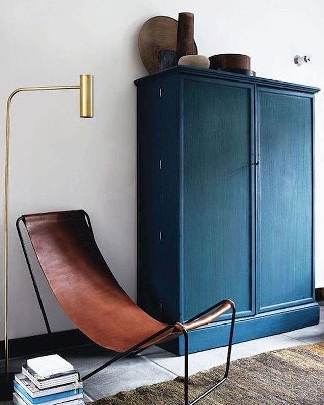Belgian designer Michael Verheyden's G55 leather Sling Lounger 👌🏽