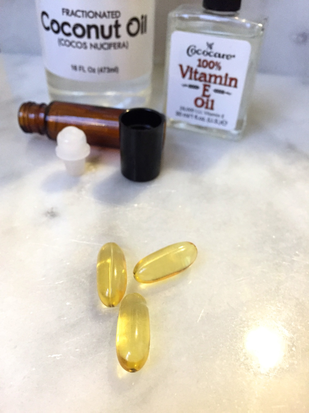 Vitamin E oil holds many skin benefits, particularly for your underye area