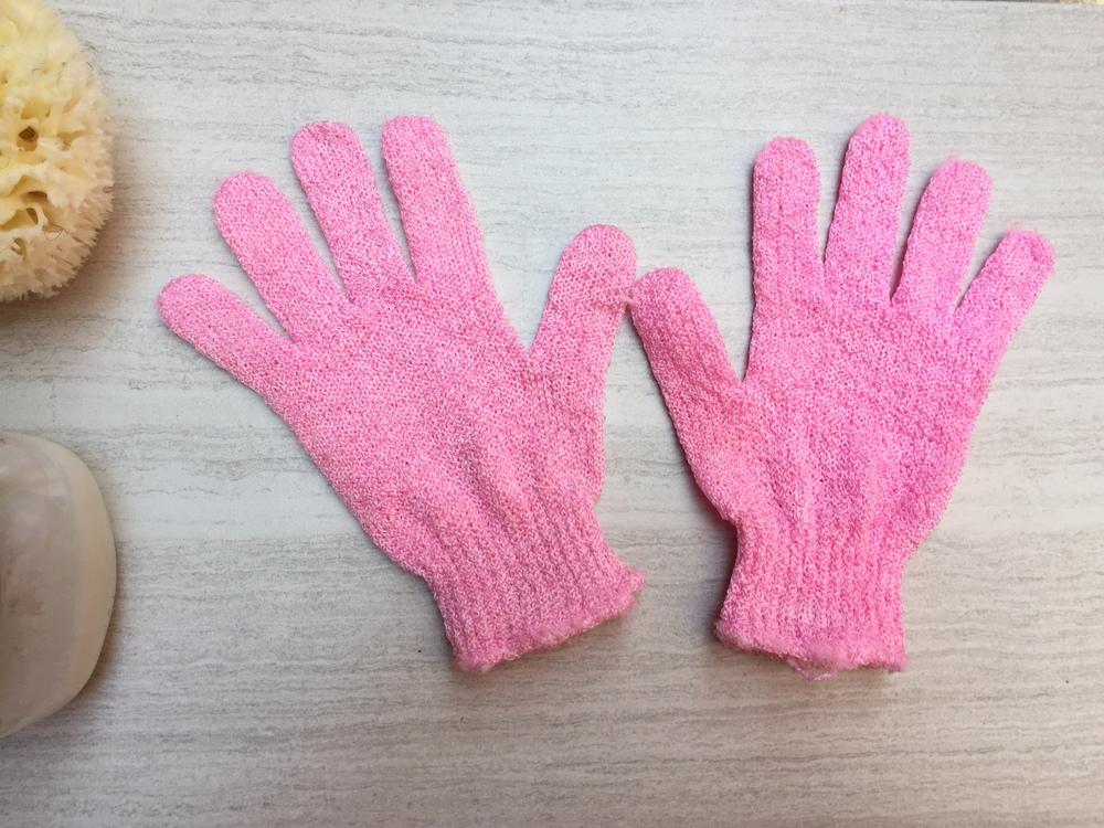 Use exfoliating gloves to help clean your underarms