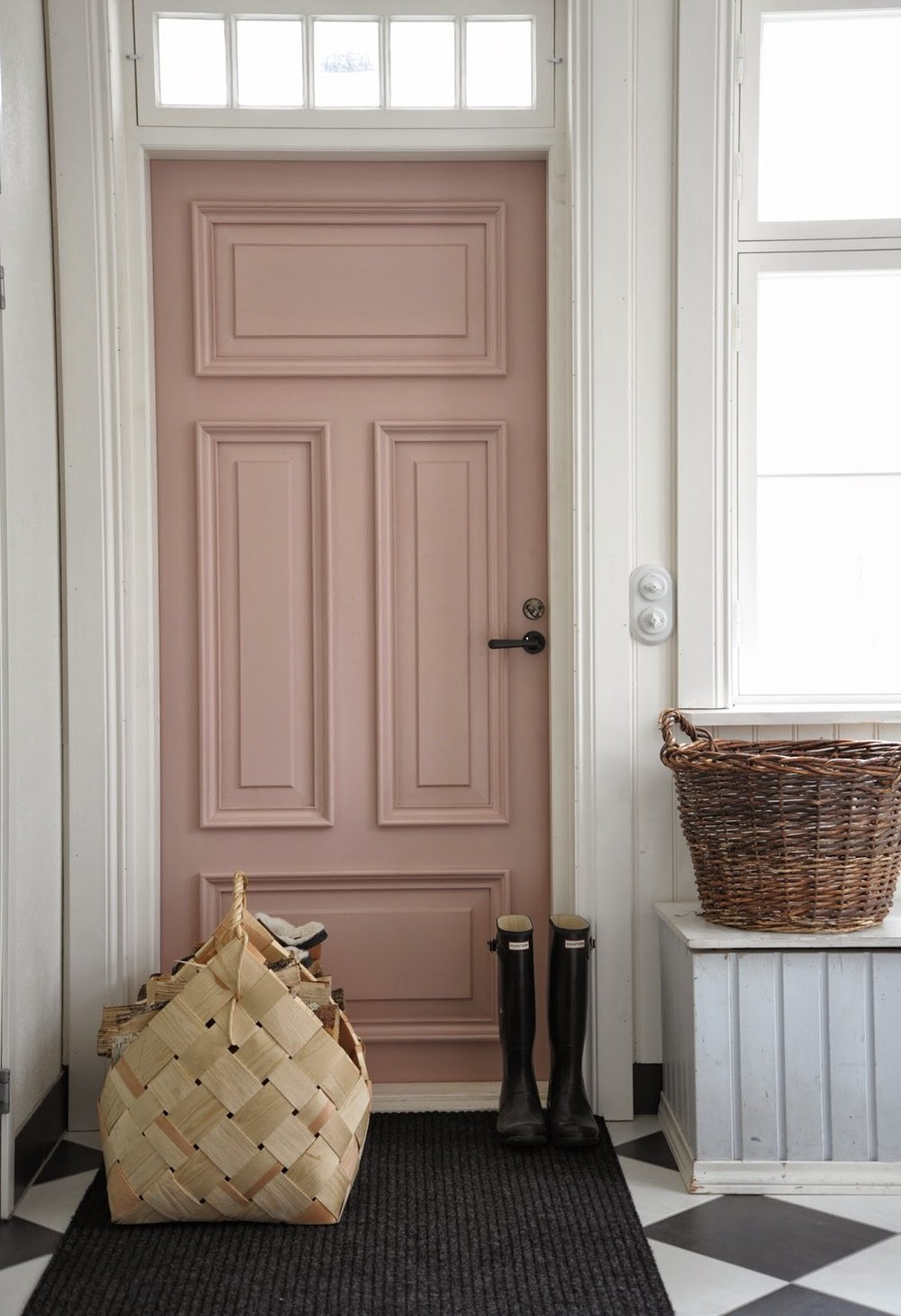 Obsessed With Dusty Pink - Dusty Pink Trend - SYNONYMOUS