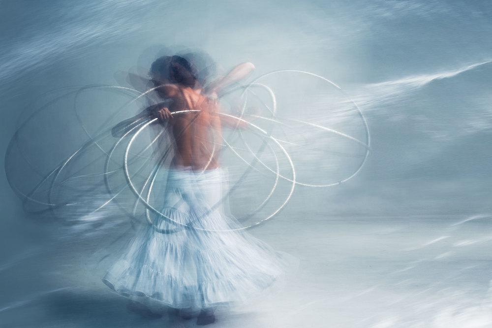 In the Flow - Daniel Darwin, Hoop Artist