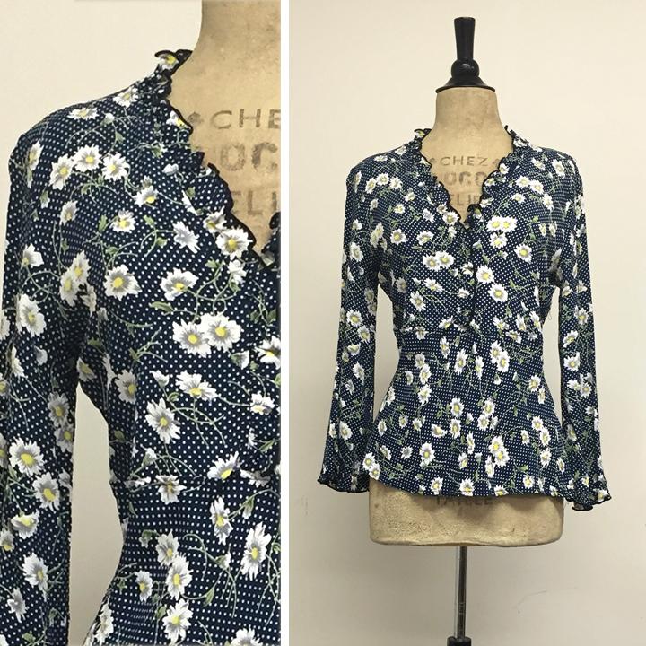 femme blouse in navy daisy  sm 1. med 1 . lg 2 . xl 2.jpg