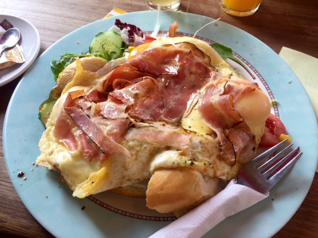 The enormous fried egg, bacon & cheese breakfast at Broodje Bert.
