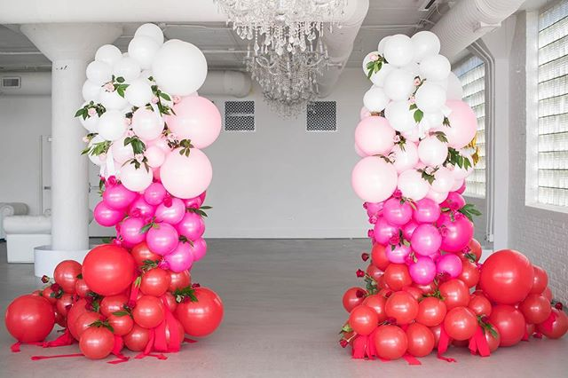 Valentine's Day is a lovely holiday, but I like to be pampered year round. Can I get an AMEN 🙏?! 📸 by @elizabethnordphoto #happyday #happyhusbandhappylife #balloonart