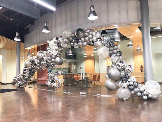 Bam. Pow 💥. Glam. Welcome to the Glow Lounge. #gromezadesigns #balloonart #balloonstyling
