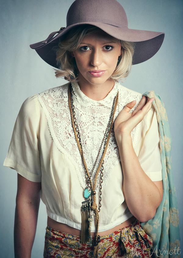 Mel-Arnott-Daisy-Fashion-1.jpg
