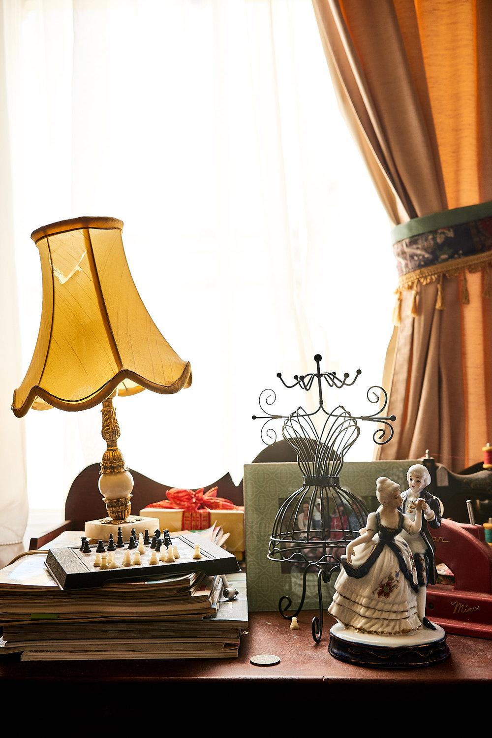 mel-arnott-still-life-room-vignette.jpg