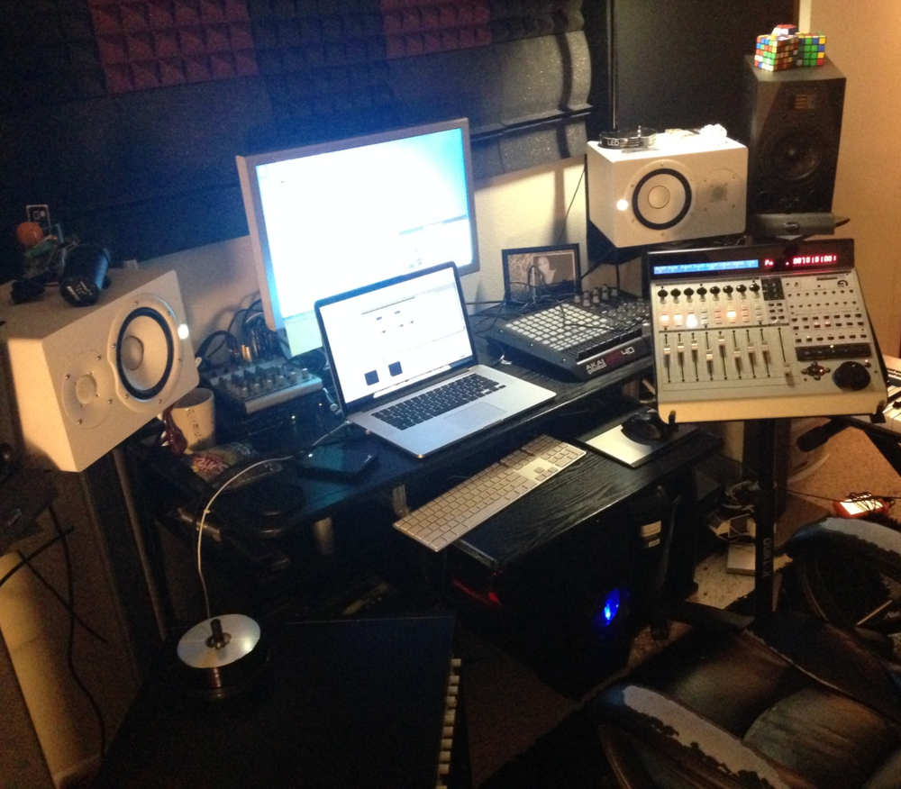 Private vocal booth w/monitoring