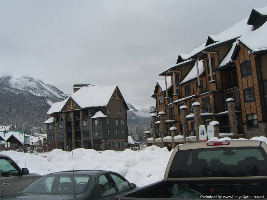 Kicking Horse Ski Resort Base