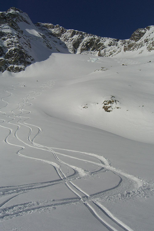 Bella Coola Heli Skiing (8).jpg