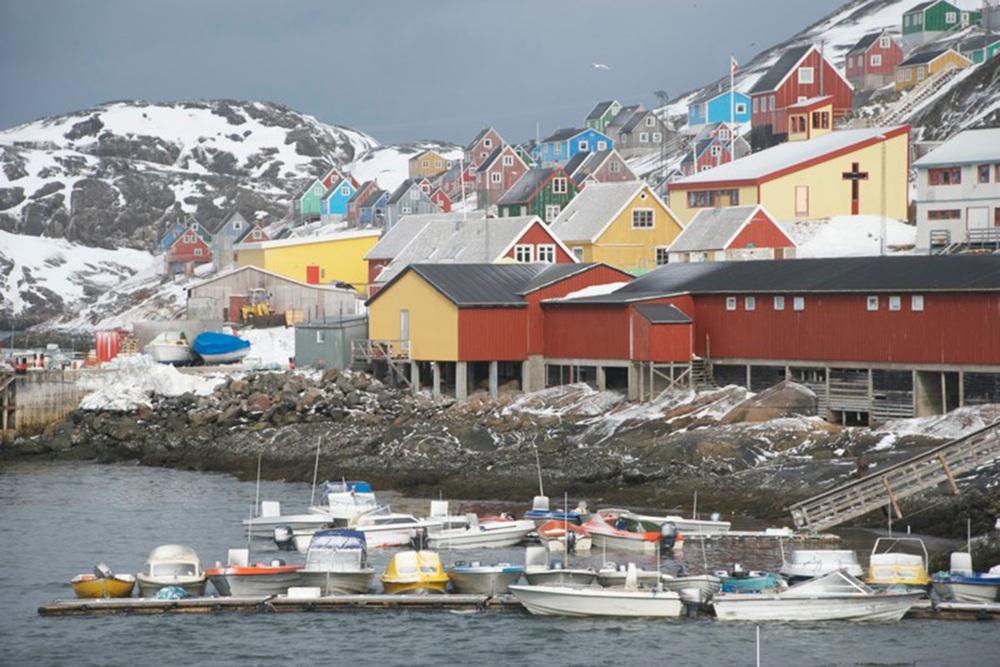 Heli Skiing Greenland (10).jpg