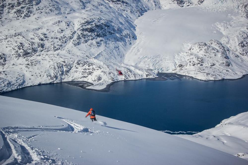 Heli Skiing Greenland (13).jpg