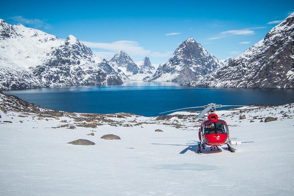 Heli Skiing Greenland (16).jpg