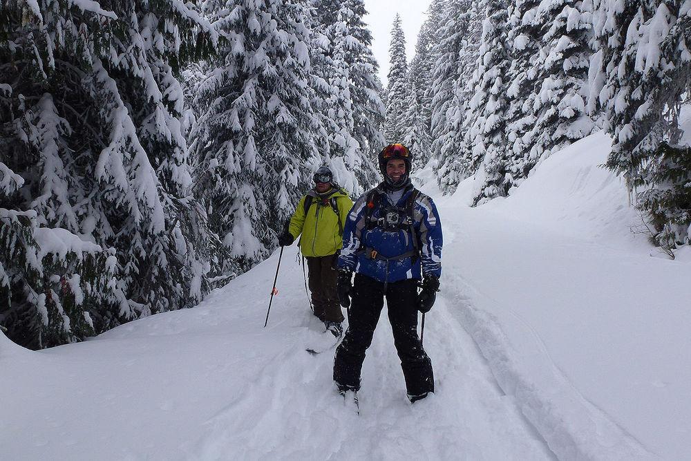 Total Heliski CES Heli Ski Tour (4).jpg
