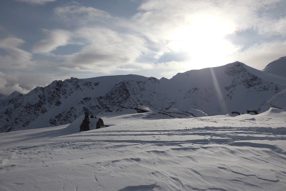 Total Heliski CES Heli Ski Tour (14).jpg