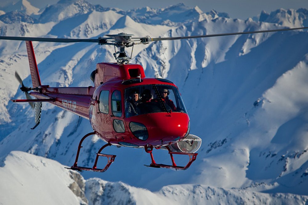 Small group heli skiing means a more personal skiing experience.