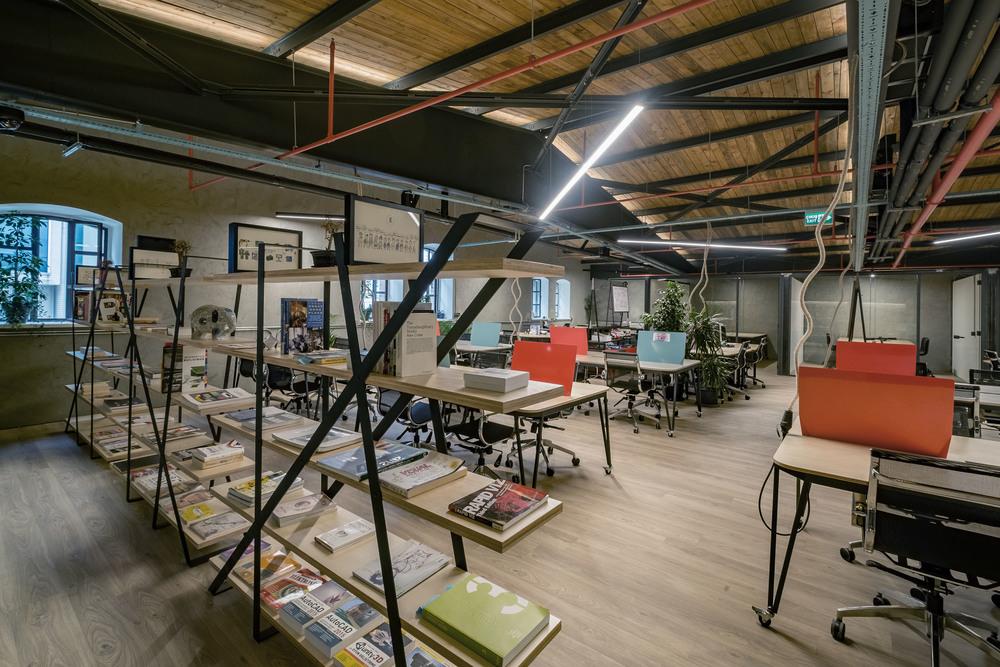 ATOLYE_bookshelves.jpg