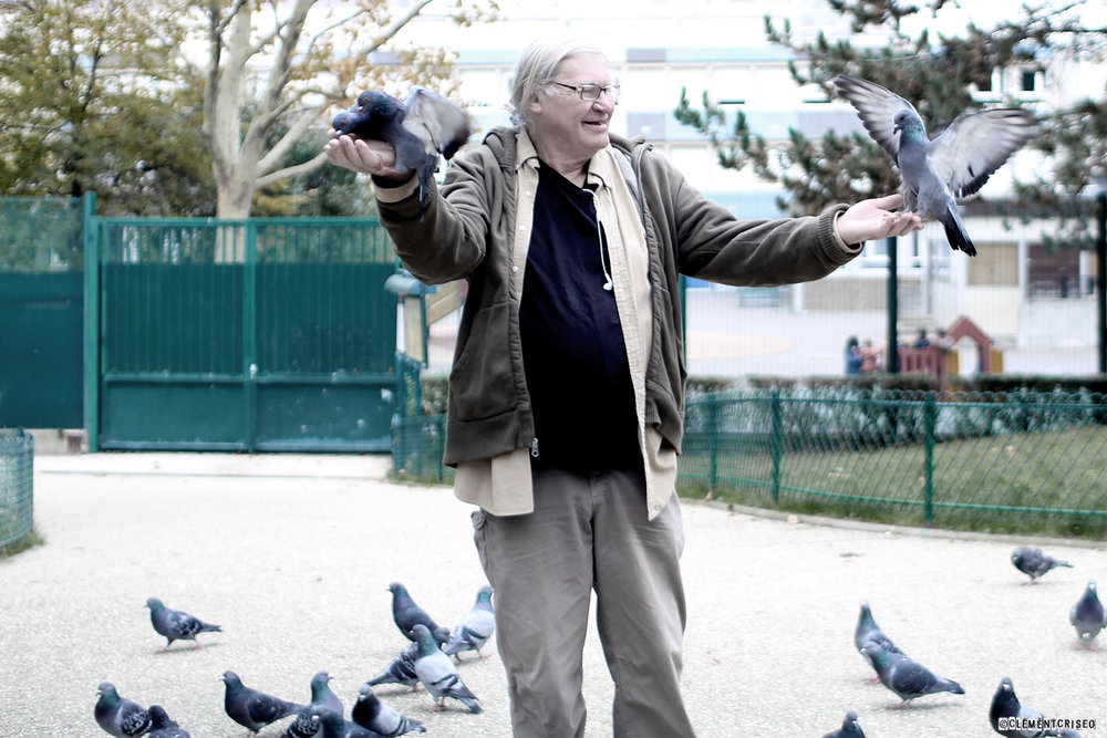 L'homme qui parlait à l'oreille du pigeon 2/2