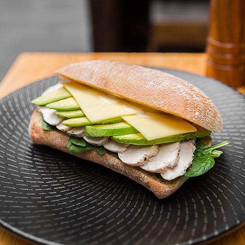 BreadandMeatCompany_ChickenAvocadoBurger-8.jpg