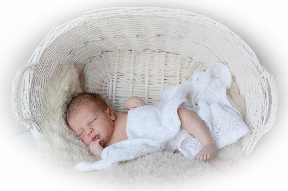 baby photographer south bucks.jpg
