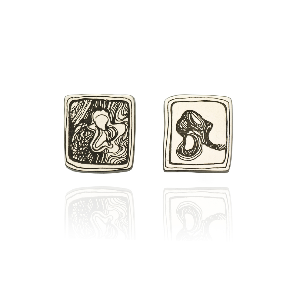 Antelope Square Earrings 18K white gold  470 EUR
