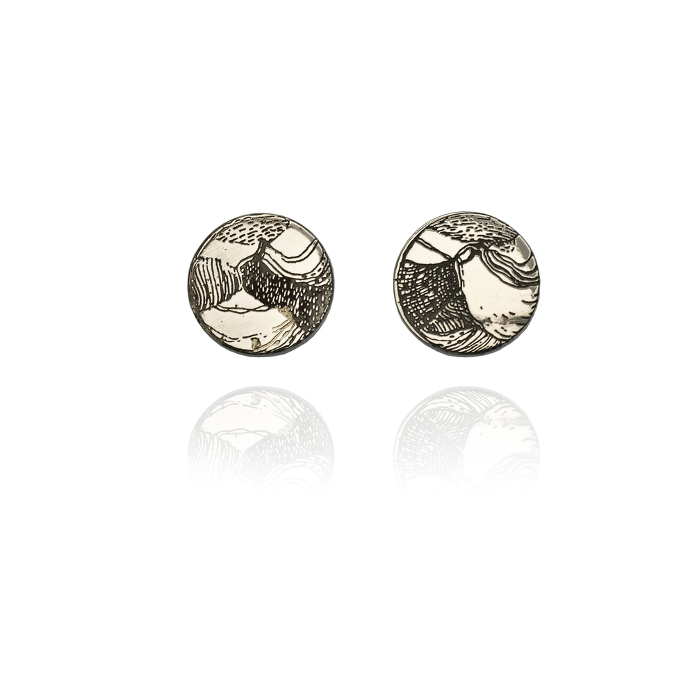 Antelope Earrings 18K white gold  370 EUR