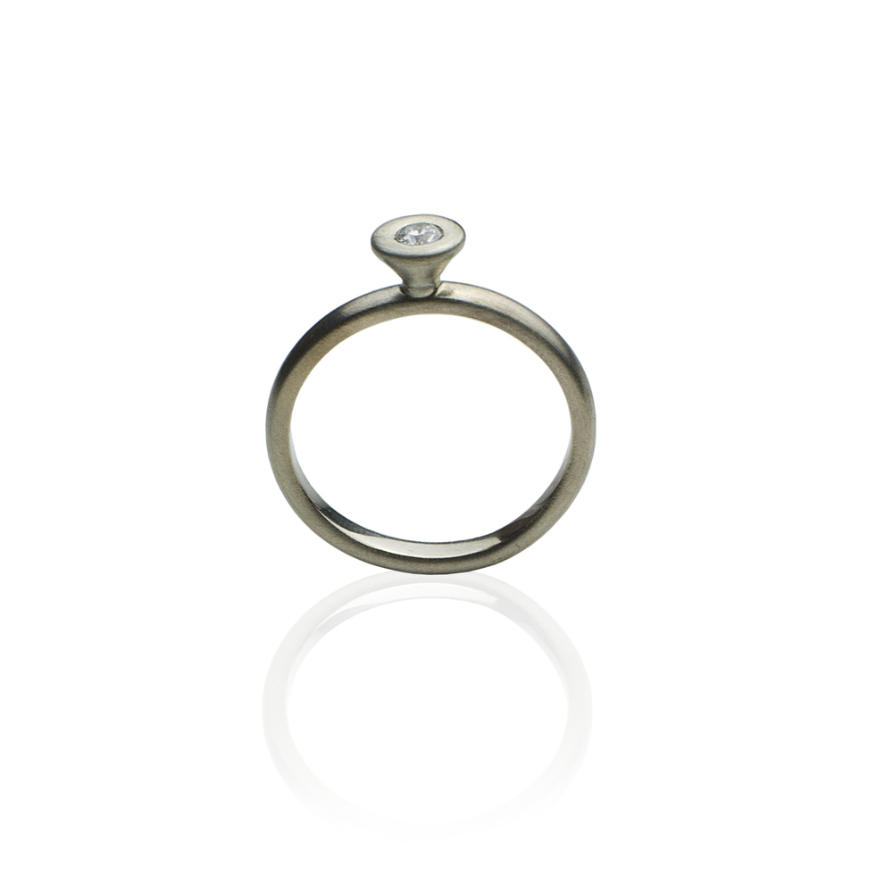 Ring White gold 18 K, white diamond 0.1 ct